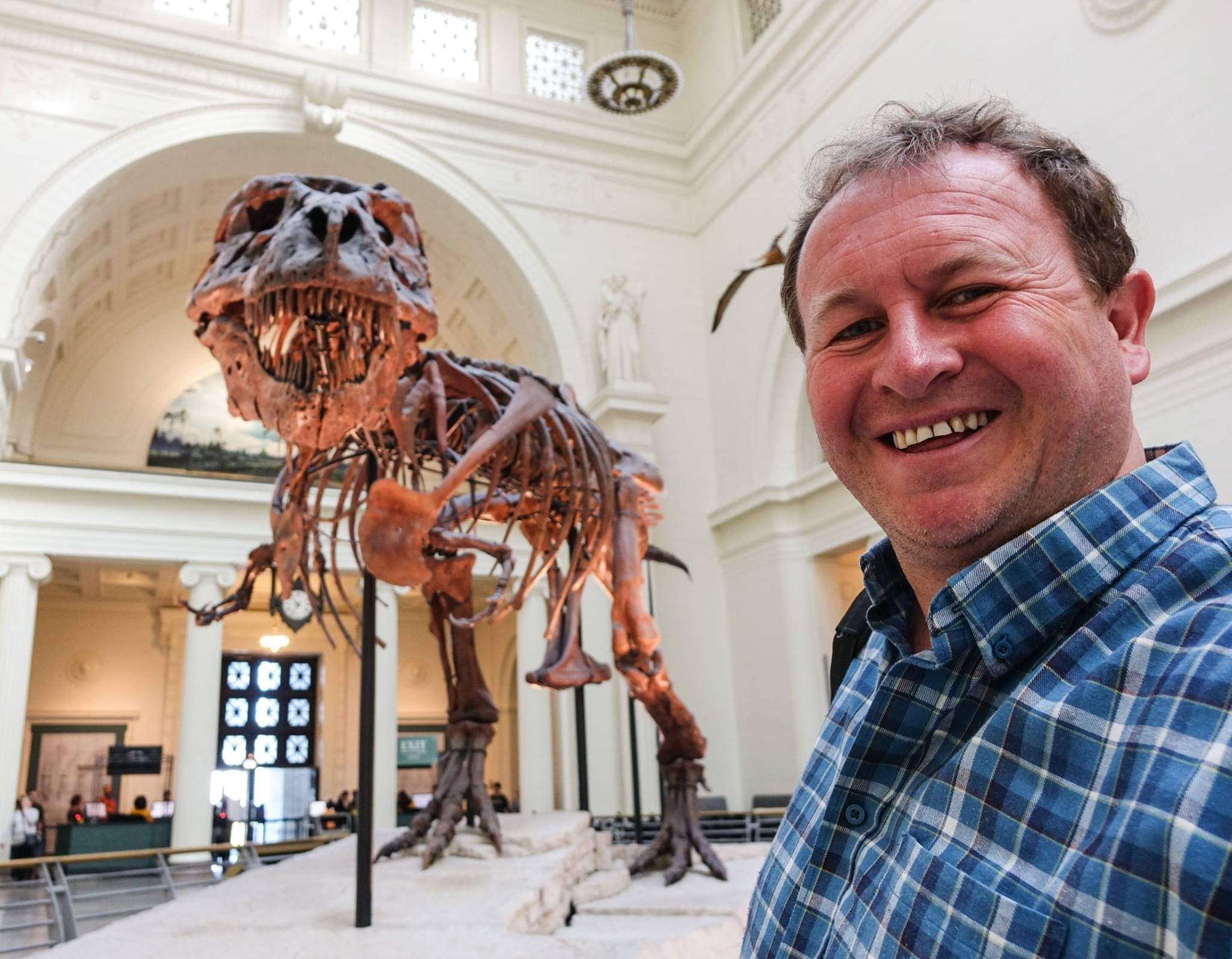Chicago, USA. Saying hello to Sue, one of the largest, most extensive and best preserved T Rex specimens ever found
