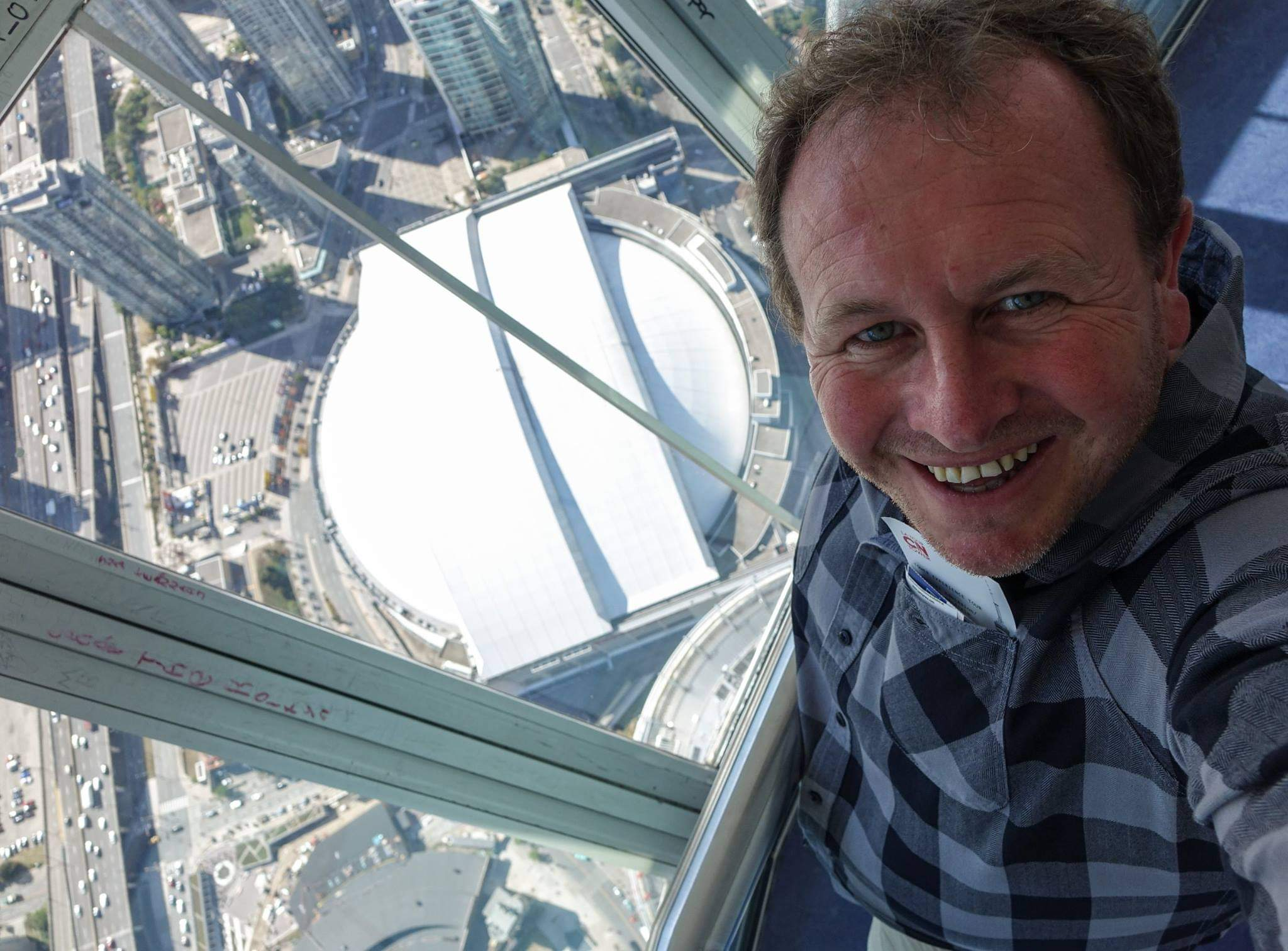 Toronto, Canada. A thrilling view from the CN Towers SkyPod at 447m (1,465ft)
